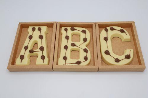 6619 Chocoladeletter (vom) 200 gr wit