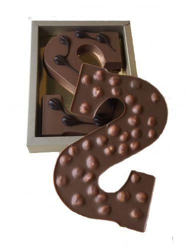 6617N Chocoladeletter (vorm )200 gram hazelnoot.